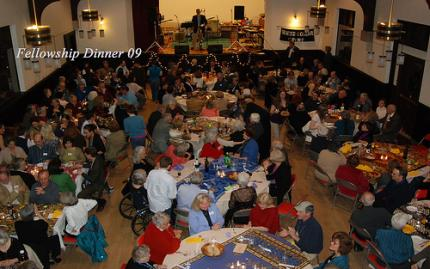 Annual Fellowship Dinners Bring the Congregation Together